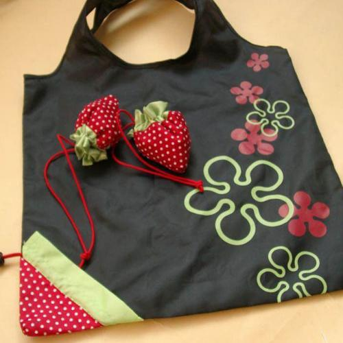 Strawberry Folding Eco-Friendly Reusable Shopping Bag [Black]