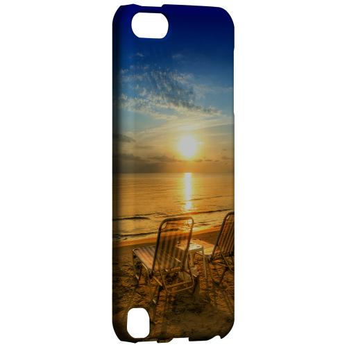 Geeks Designer Line (GDL) Slim Hard Case for Apple iPod Touch 5 - Beach Chair Sunrise