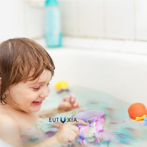 Eutuxia LED Pool Lights. Floating Underwater Mood Lamp for Illuminating Swimming Pools and Ponds. Water Light Show with 5 Different Multi-Color Modes. Water Resistant & Easy One Touch Operation.