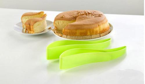 Plastic Cake/ Pie Slicer - Cut the Perfect Piece!